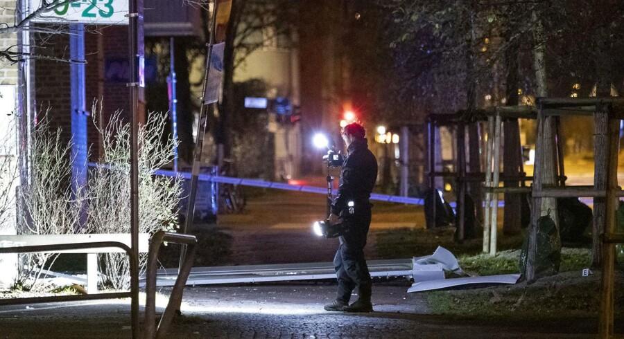 Politiet er til stede med bombespecialister og kriminalteknikere i Malmøs Lantmannagata.