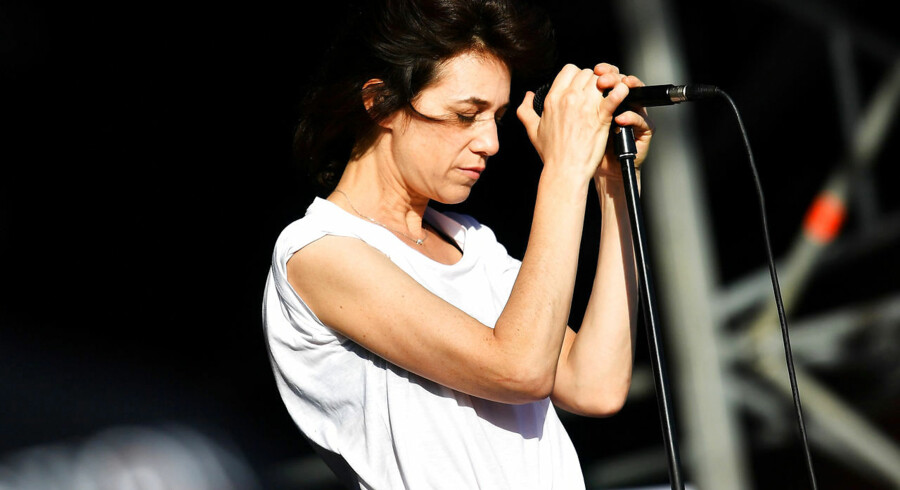 Ved siden af sin musikkarriere har den britisk-franske sangerinde og skuespiller Charlotte Gainsbourg medvirket i flere af Lars von Triers film – bl.a. »Antichrist«.