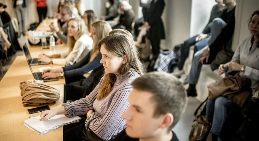 Politikerne har med egne ord skabt et mere fleksibelt uddannelsessystem for studerende på universiteterne. Her er det studerende fra Københavns Universitet.
