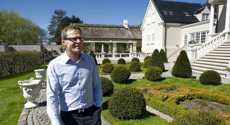 Op til finanskrisen tjente Peter Norvig mange penge som ejendomsmægler. Han havde 22 Nybolig-butikker og var bosiddende