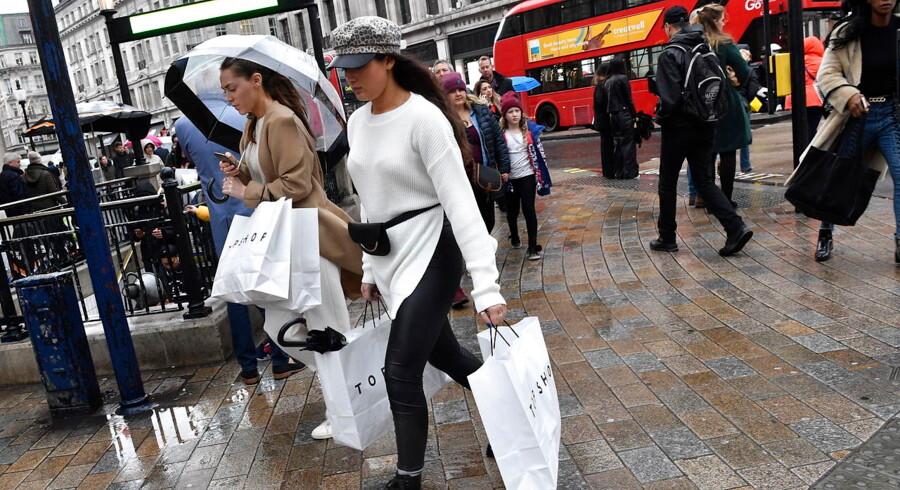 På en tur til London er der penge at spare som følge af britternes usikre politiske og økonomiske situation.