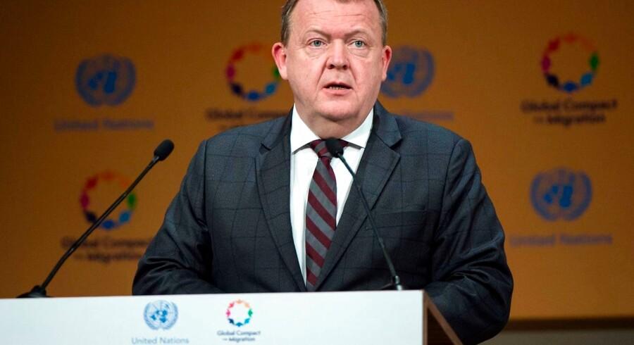 Det var betegnende, at det var svært at finde en Venstre-minister, der havde lyst til at tage til Marrakech for at tilslutte sig FNs migrationspagt. Altså måtte statsminister Lars Løkke Rasmussen selv af sted.