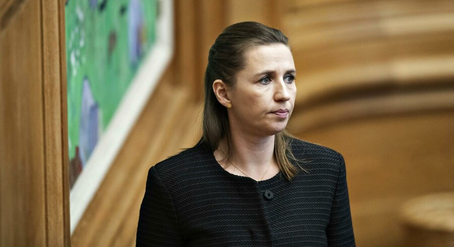 Mette Frederiksen (S) vil ikke garantere, at hun vil rulle den lave integrationsydelse tilbage, såfremt hun indtager Statsministeriet. Både SF og de Radikale trækker spørgsmålet det ind i eventuelle forhandlinger om et regeringsgrundlag efter valget.