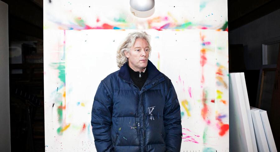 Tyve stjæler 10 malerier fra den kendte kunstner Kristian Hornsleth 's værksted i Skovlunde. Her kunstneren på sit atelier efter indbruddet.