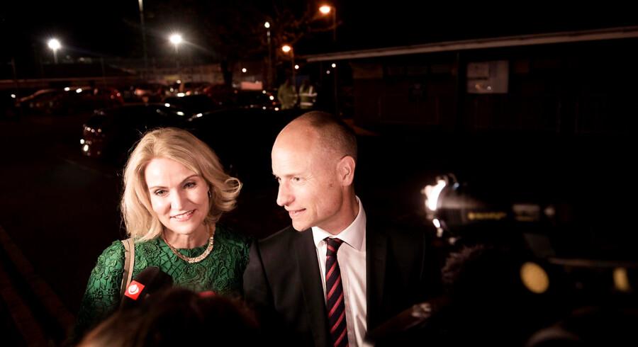 Labour-politikeren Stephen Kinnock er gift med den tidligere danske statsminister Helle Thorning-Schmidt, og derfor har han et indgående kendskab til dansk politik. Men han afviser, at det kunne være en mulighed for briterne at følge det danske eksempel fra nej'et til EU-traktaten i 1992 og udskrive en ny folkeafstemning.