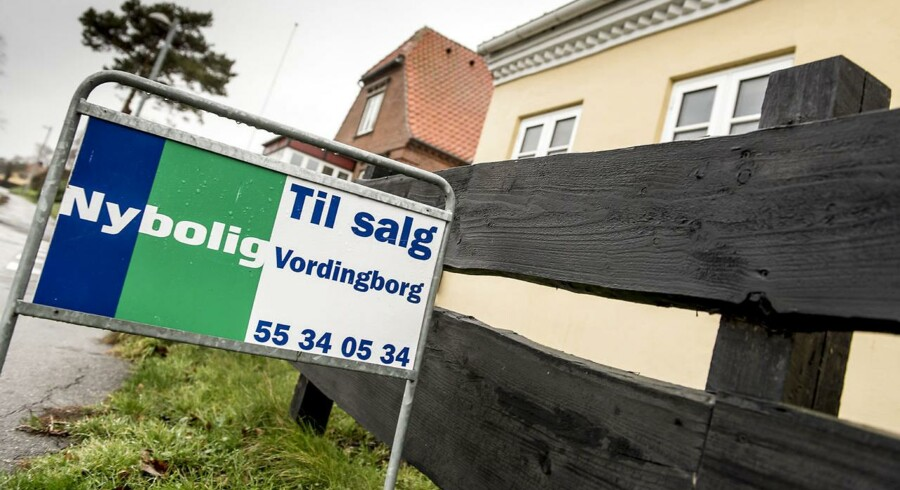 Husene stiger i pris og priserne er nu tilbage på niveauet fra 2006. Hvis man tager højde for inflationen, og ser på de reale priser er vi dog stadig et stykke fra toppen.