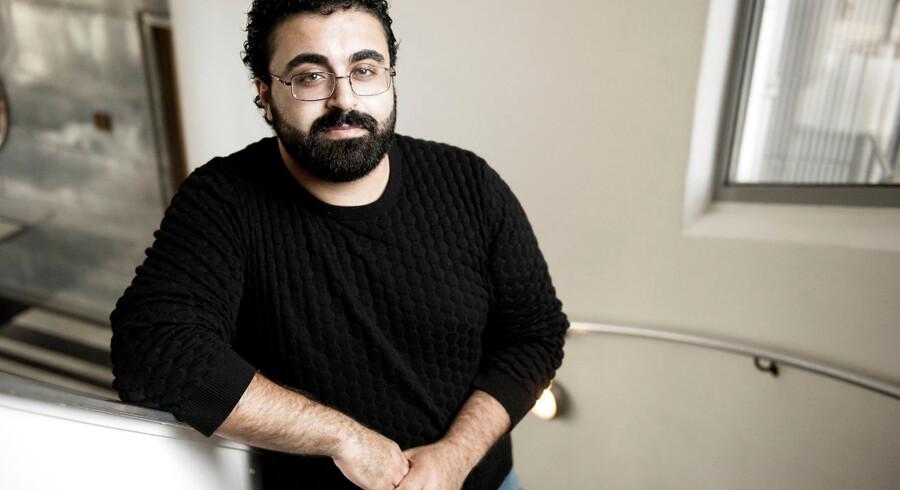 """Ahmad Mahmoud har skrevet bogen """"Sort land""""."""