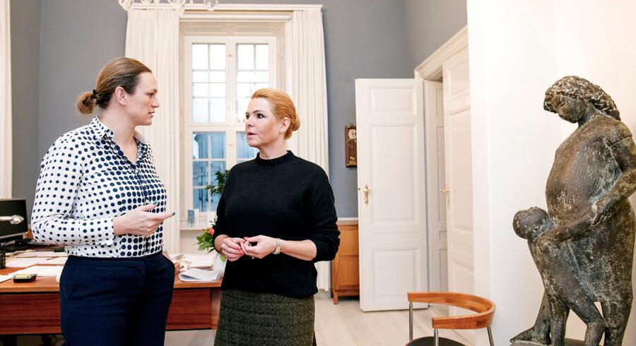 Det er på tide til at droppe troen på, at integration af de mange indvandrere og efterkommere bliver bedre generation for generation, mener undervisningsminister Merete Riisager (LA) og integrationsminister Inger Støjberg (V).