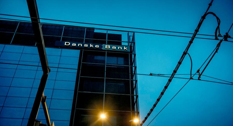 Danske Banks estiske filial i hjertet af Tallinn er omdrejningspunktet i hvidvaskskandalen i Danske Bank. Nu er ti personer anholdt i Estland.