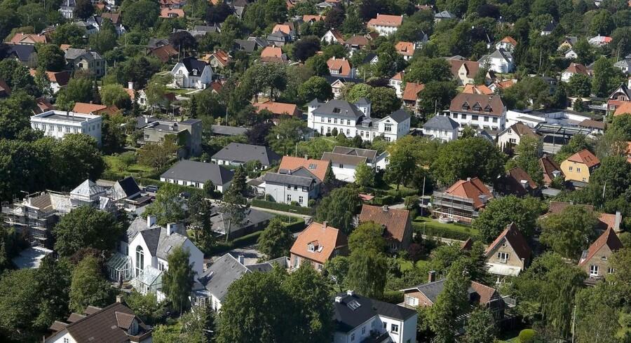 1.200 boligejere over hele landet har på grund af en fejl ikke betalt ejendomsskat i op til ti år, oplyser skattemyndighederne.