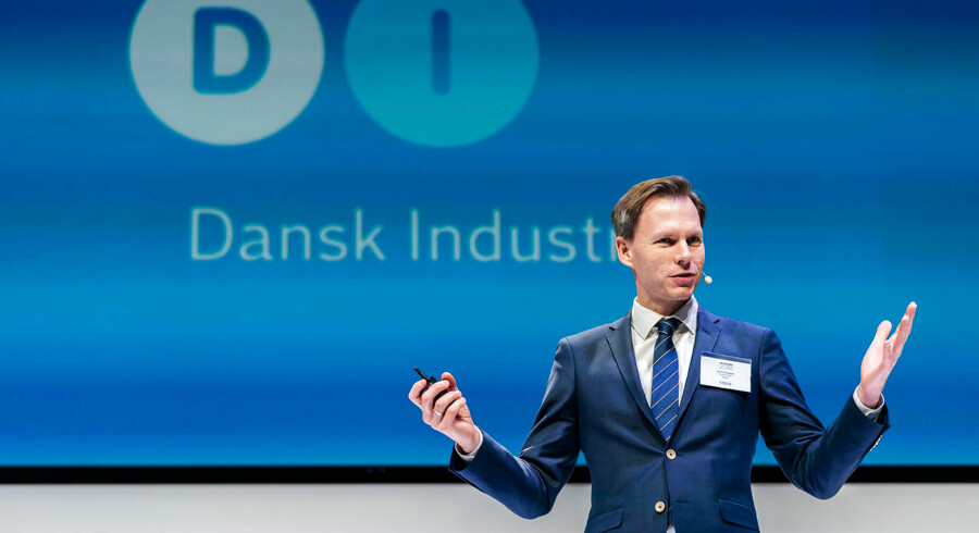 Direktør i Dansk Industri Kent Damsgaard fortæller, at de danske topchefers aftagende optimisme skyldes stigende usikkerhed om forhold som Brexit, handelskrigen mellem USA og Kina og politisk uro i Italien.