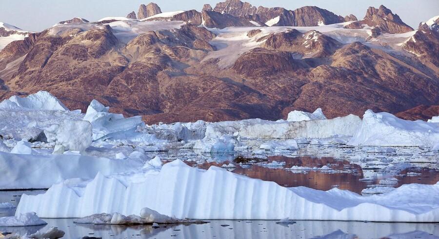 Det arktiske tab af is fra land fra 2005 til 2015 var så stort, at det ville svare til, at hvert eneste menneske på planeten hver eneste dag i tiåret havde smidt 160 liter vand ud.