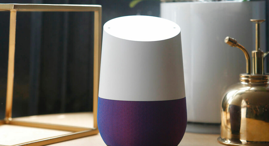 En stemmestyret højttaler lytter med på alt, du siger derhjemme. Og hvis du ikke ER ligeglad, så bliver du det.