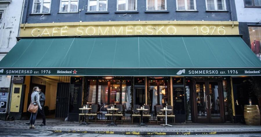 Bahram Sari Beliverdi gjorde Café Sommersko til kronjuvelen i et imperium af københavnske cafeer. Nu er imperiet smuldret og Bahram Sari Beliverdi tiltalt i en stor sag om bedrageri.