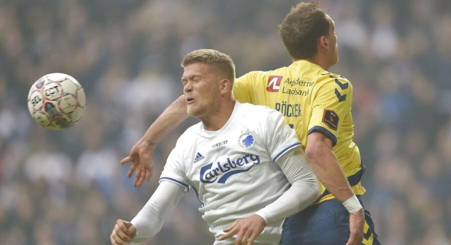 Mere end en fjerdedel af den ene langside kommer til at stå tom i årets finale i DBU Pokalen, når FC København og Brøndby mødes 25. maj i Telia Parken.