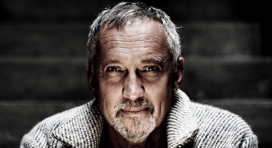 Forfatter Jussi Adler-Olsens femte bind i serien om Afdeling Q blev forsinket på grunad af kræftsygdom.