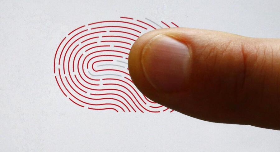Fingerprint Cards (FPC).