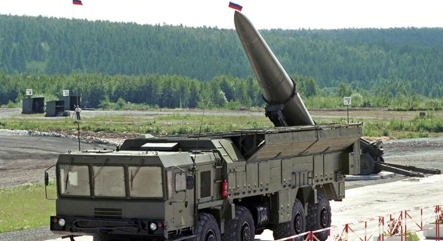 Arkivfoto. Russerne foretager militærmanøvrer sammen med oprørerne i Ukraine og opstiller luftforsvar tæt på frontlinjerne, siger det amerikanske udenrigsministerium.