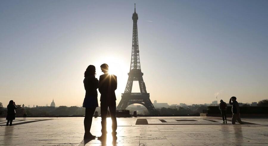 Nogle franskmænd frygter, at en såkaldt »inkluderende skrivning«, der skal gøre op med sproglig kønsdiskrimination, udgør en trussel mod det franske sprogs fremtid.