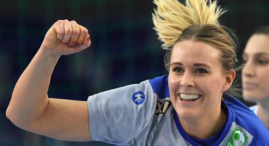 Johanna Westberg forudser en hård kamp mod de danske håndboldkvinder, som hun kender godt fra den danske håndboldliga. Scanpix/Hendrik Schmidt