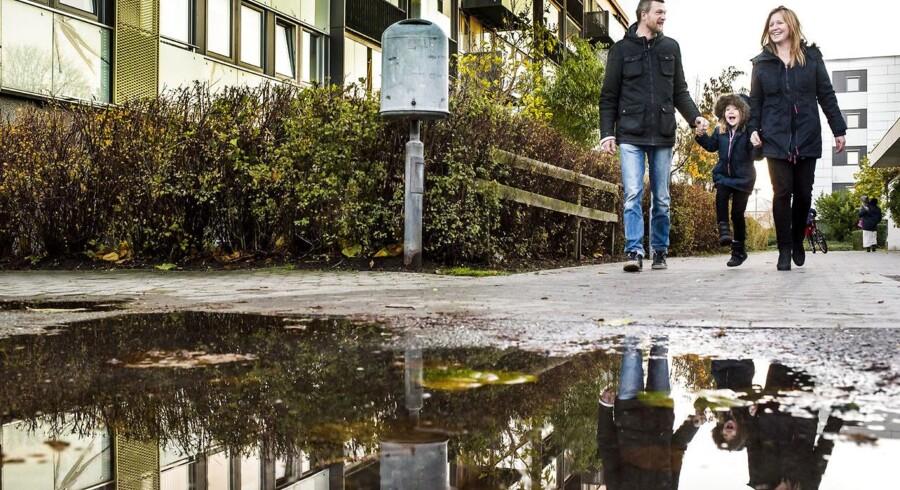Jonathan og Mette Andersen sammen med deres datter Johanne er glade for at bo i Urbanplanen på Amager.