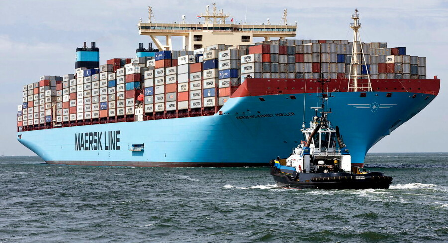 MV Maersk Mc-Kinney Moller, the world's biggest container ship, arrives at the harbour of Rotterdam in this August 16, 2013 file photo. Danish shipping and oil group A.P. Moller-Maersk reported a fourth-quarter net loss of $2.5 billion on February 10, 2016 after booking impairments of $2.6 billion on its oil assets. REUTERS/Michael Kooren/Files