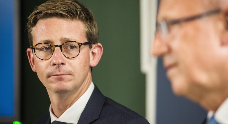 Skatteminister Karsten Lauritzen (V) er åben over for at lade selvstændiges opsparinger investere i unoterede aktier. Arkivfoto: Ólafur Steinar Gestsson