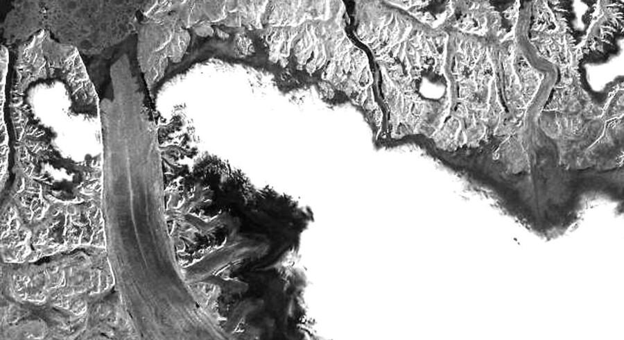 Arkivfoto: Petermann gletsjeren knækker.