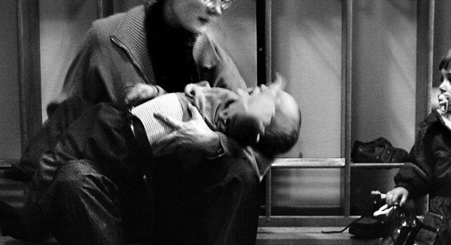 ARKIVFOTO: Hverdagens afsked i vuggestuen trækkes – i den bedste mening – ofte i unødigt langdrag, som gør den sværere for barnet, viser forskningsprojektet »Barnet i centrum«.