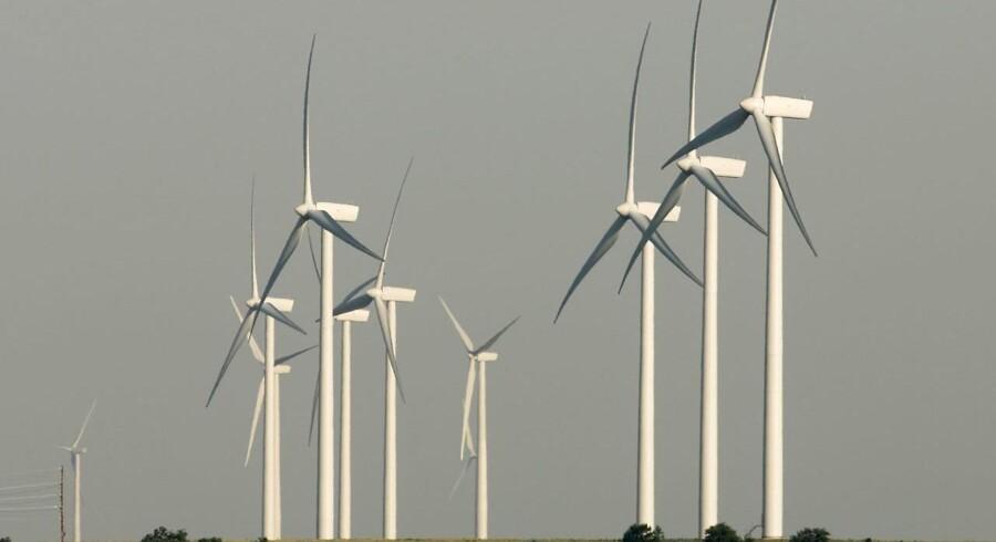 Vestas-møllerne her står i Kansas, USA, men de er efterhånden repræsenteret i mange lande jorden over. Foto: Larry W. Smith/EPA