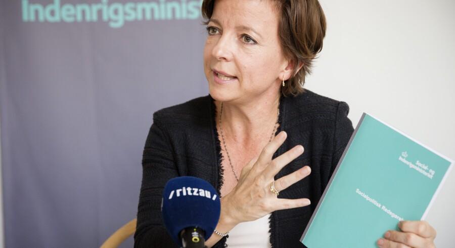 Social- og indenrigsminister Karen Ellemann (V) vil oprette en ny type botilbud til borgere med særligt komplekse problemer. Det skal øge sikkerheden på bosteder. Scanpix/Jens Astrup