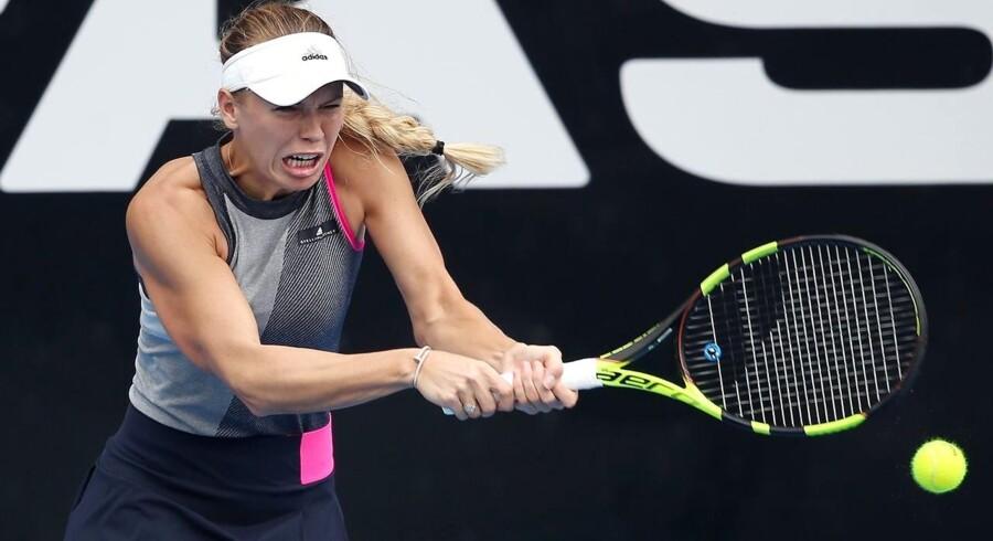 Caroline Wozniacki taber i WTA-finalen. / AFP PHOTO / MICHAEL BRADLEY
