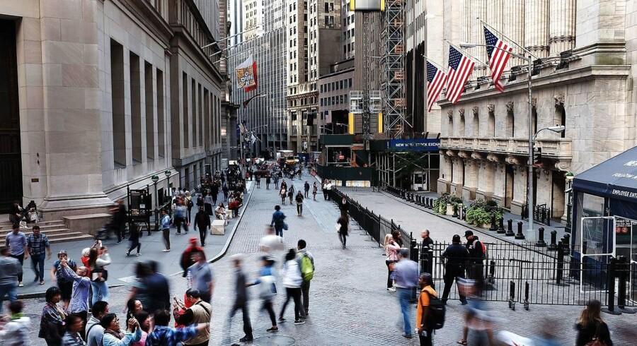 Wall Streets mæglerhuse får en hjælpende hånd fra det amerikanske finanstilsyn, SEC, i implementeringen af de nye europæiske Mifid-regler.