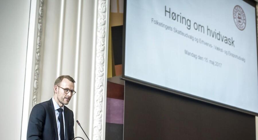 Flemming Pristed, chefjurist i Danske Bank ved høringen om hvidvask i Landstingssalen