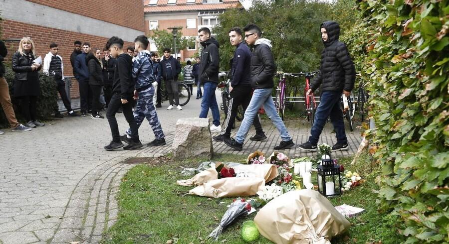 Et albansk ægtepar fra Nørrebro mistede mandag deres eneste barn. Han blev dræbt få meter fra familiens hjem.