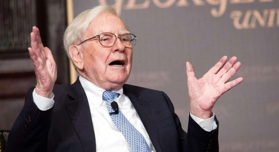 Flere forsøger at gøre den amerikanske rigmand Warren Buffett kunsten efter og investere som ham.
