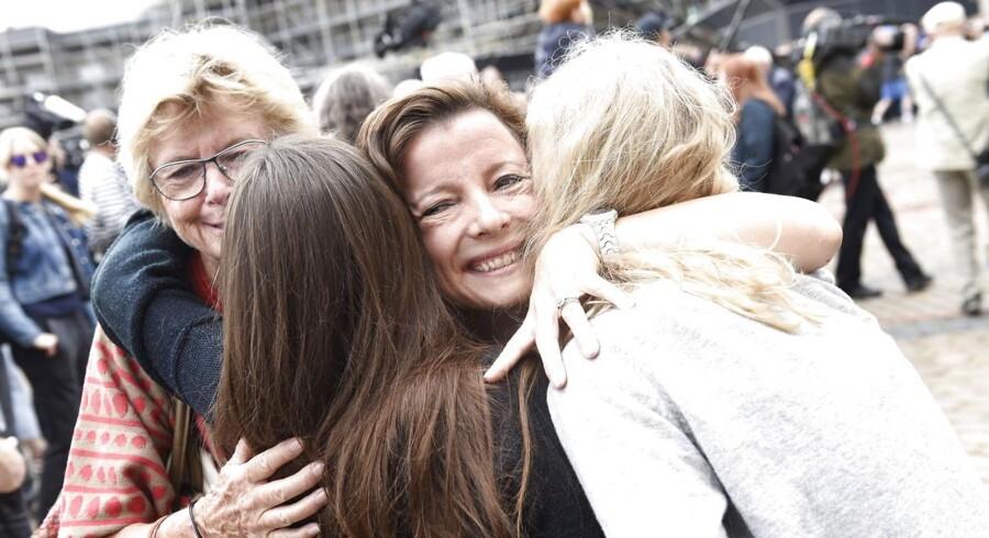 Ikke alene halter Løkkes nye regering efter på ligestillingen med kun fem kvinder på det 17 mand store hold. Kvinderne er også blevet tildelt ministerier med traditionelle kvindeområder som sundhed, børn og ældre, påpeger professor i ligestilling.