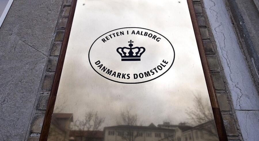 Skifteretten ved Retten i Aalborg behandler mandag en plan fra ledelsen af OW Bunker om afvikling af selskabets gæld til kreditorerne efter firmaets konkurs. Her ses indgangen til retten.