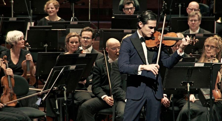 Violinisten Charlie Siem I Eva Mulvads film A Modern man