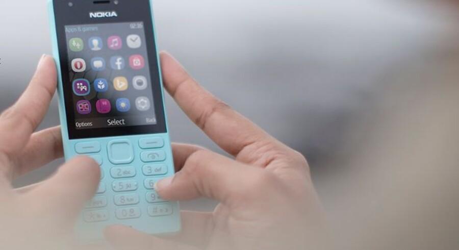 Nokia-telefonerne lever stadig, og Microsoft har netop sendt Nokia 216 ud - med 24 dages batteritid. Foto: Microsoft
