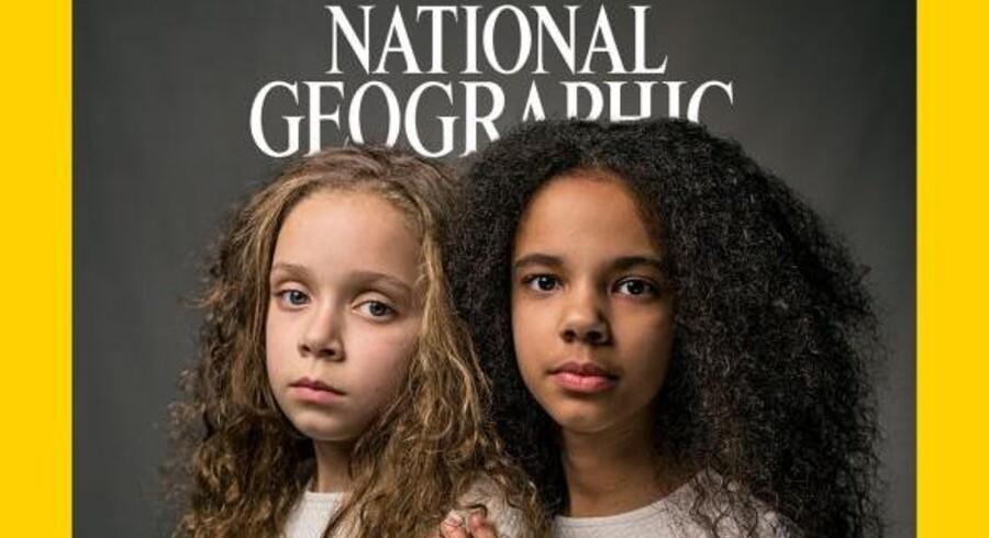 Et udsnit af forsiden på den amerikanske udgave af National Geographic, hvor tvillingesøstre med forskellig hudfarve er månedens forsidemodeller. Nummeret hedder »The Race Issue« og angriber racisme fra forskellige vinkler.