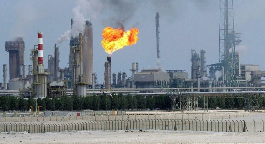 Ifølge en rapport fra IMF er de faldende oliepriser ved at slå økonomien i stykker i Golf-staterne.