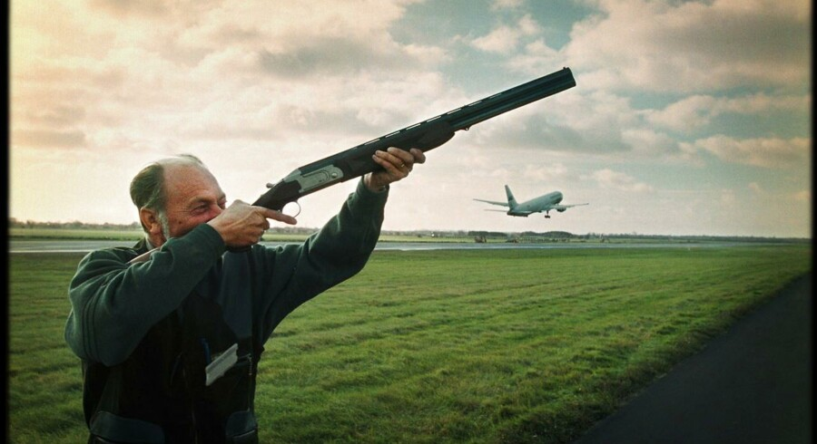 De faste skytter, der holder et vågent øje med potentielt flyfarlige gæs i og omkring Københavns Lufthavn, får nu følgeskab af lufthavnens første fugleradar.