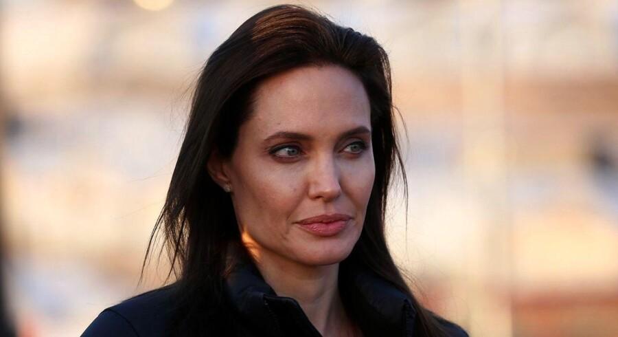 Angelina Jolie er udover at være skuespiller og instruktør også FN-ambassadør. Her ses hun i en irakisk flygtningelejr i januar i år.