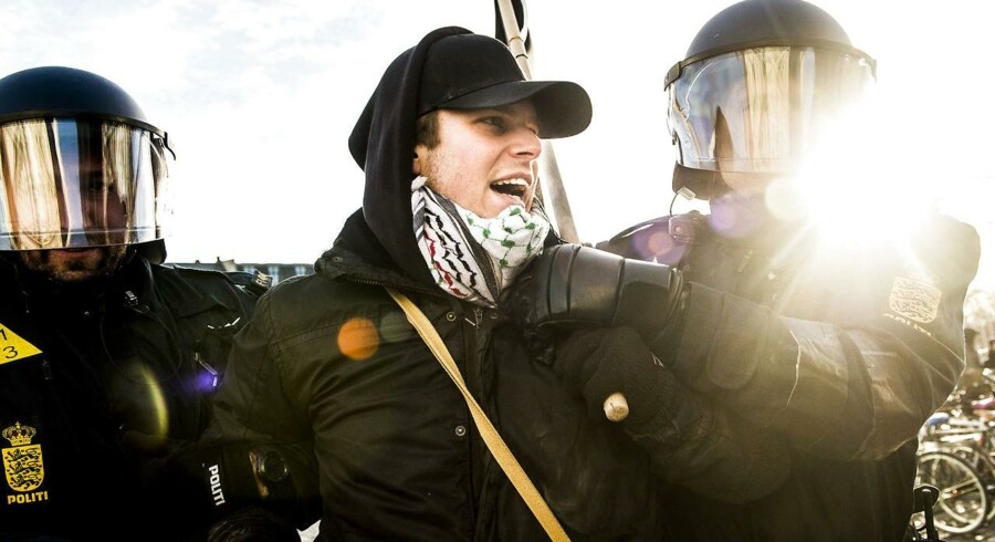 Lørdag d. 3. november demonstrerede Pegida på Nørrebro i København. I den forbindelse var der en gruppe som dannede en anti-Pegida demonstration