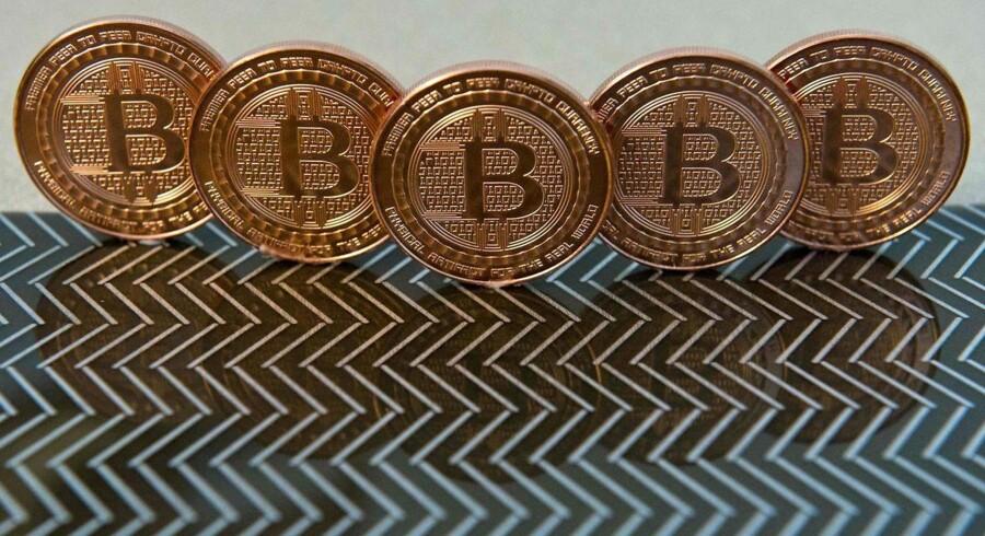 Bitcoins er en valuta, der først og fremmest eksisterer på nettet. Men det er også muligt at få bitcoins i fysisk form.
