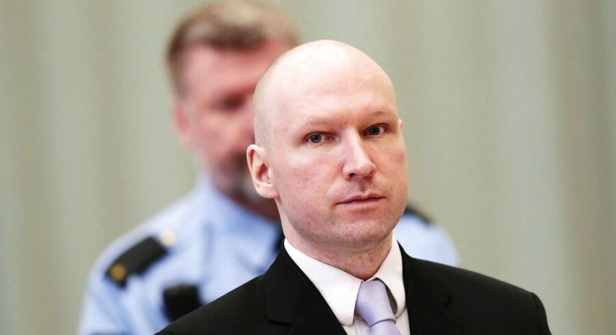 Arkivfoto: Anders Behring Breivik under sagen i marts sidste år. Breivik fik - til manges overraskelse - medhold i sin anklage om, at hans afsoning er foregået under »umenneskelige« forhold.