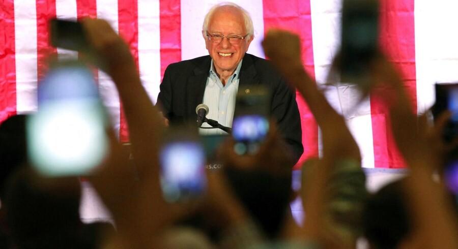 Trump er begyndt at vise en vis styrke, fordi Clinton er blevet svækket af Bernie Sanders i højere grad, end hun havde forestillet sig.