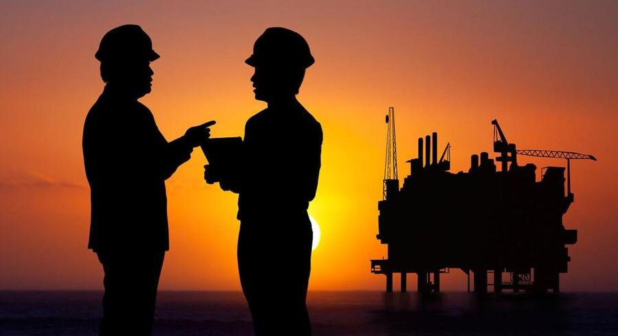 Der tyder på, at der er for meget olie på markedet. Olien ligger i niveauet mellem 40 dollar og 50 dollar per tønde, og priser under 40 dollar per tønde vil være et problem, fortæller Jonathan Barrtt, chefinvestor i Ayers Alliance Securities i Sydney, til Bloomberg News.