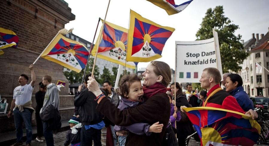 Demonstration mod Kinas menneskerettighedsovertrædelser over for Tibet, Free Tibet, på Højbro Plads i København fredag d. 15. juni 2012 i forbindelse med den kinesiske præsident Hu Jintaos statsbesøg i Danmark. Arkivfoto: Dennis Lehmann/Scanpix 2016
